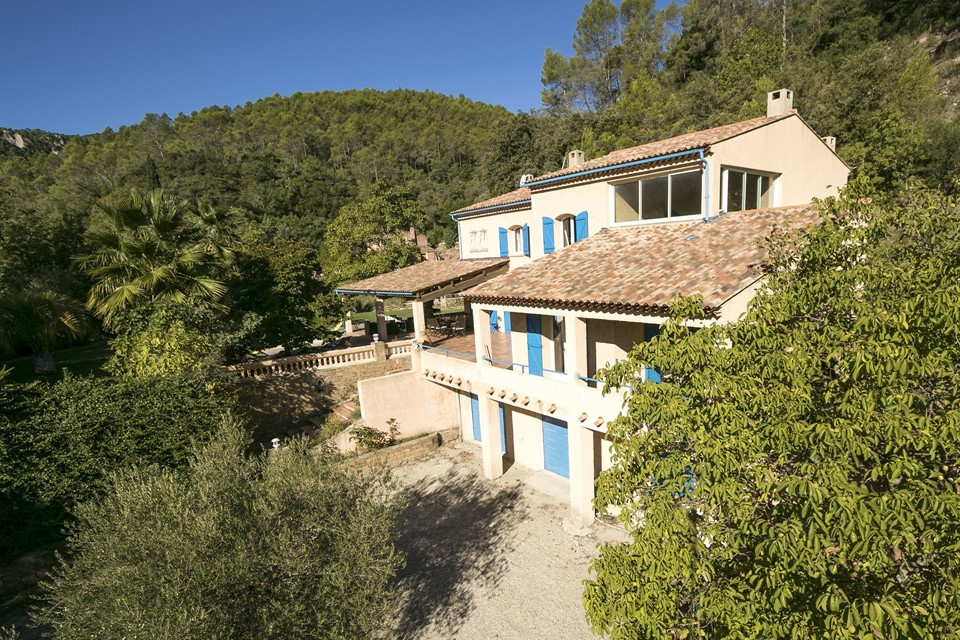 6 bedroom villa in very quiet countryside